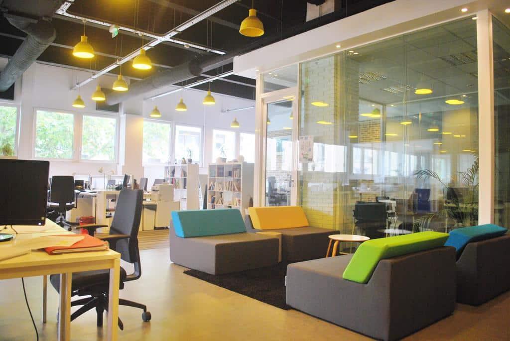 start way bureaux de travail en coworking montrouge. Black Bedroom Furniture Sets. Home Design Ideas