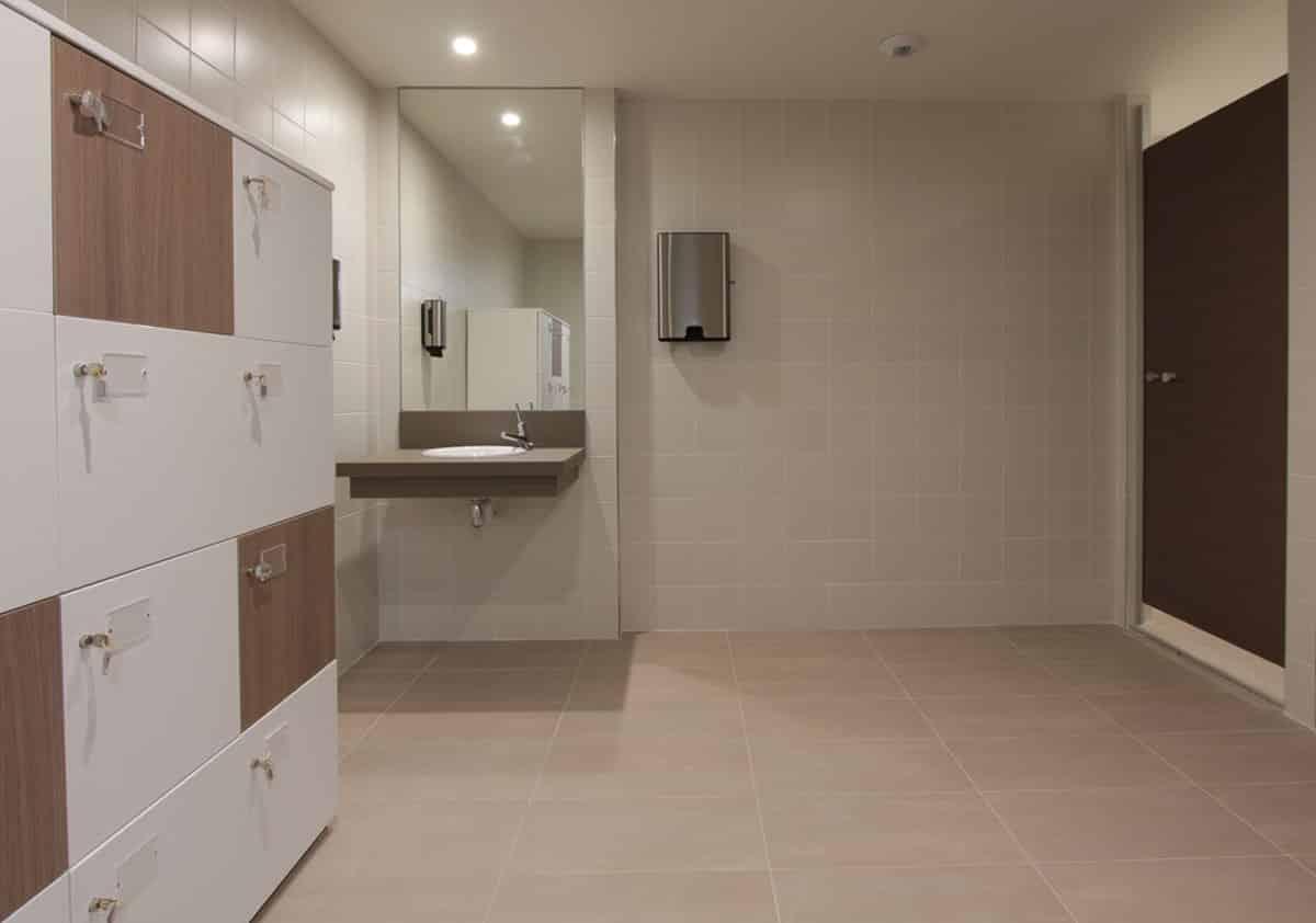 douches coworking ecosyst me centre d 39 affaires bureaux r union domiciliation. Black Bedroom Furniture Sets. Home Design Ideas