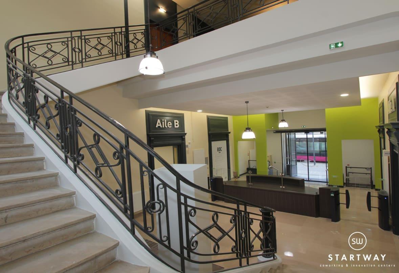 Réception de l'hotel des postes de Dijon Grangier par laquelle on accède aux bureaux du centre d'affaires Startway