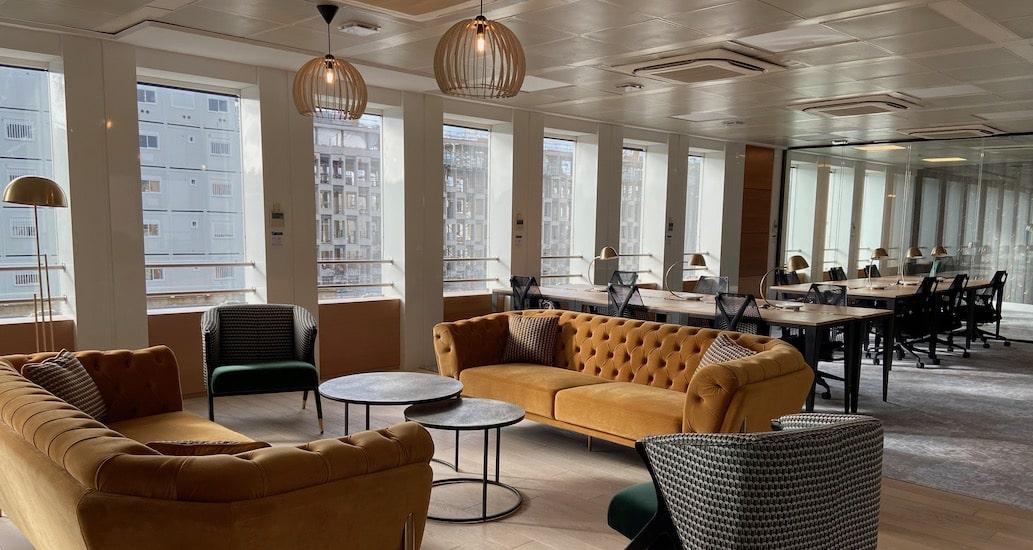 Lot indépendant de bureaux à louer de 20 à 150 personnes à Paris ouest quartier de la Porte Maillot Grande Armée